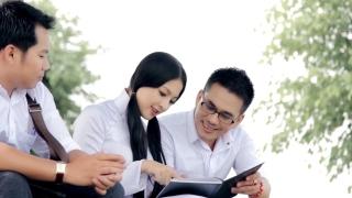 Sao Em Nỡ Vô Tình - Trần Xuân, Huỳnh Nguyễn Công Bằng