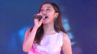 Ngày Mới Trắng Hồng (Đại Nhạc Hội Unilever) - Văn Mai Hương