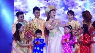 Ngày Tết Việt Nam - Lady Phương Thùy