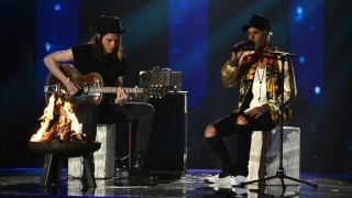 Love Yourself & Sorry (Live At The BRIT Awards 2016) - Justin Bieber, James Bay