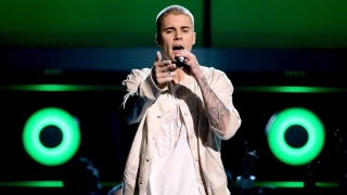 Company & Sorry (Live From the 2016 Billboard Music Awards) - Justin Bieber