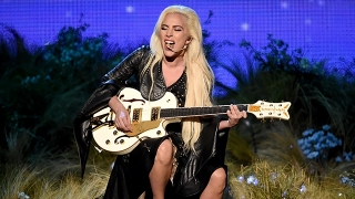 Million Reasons (Live From The AMAs 2016) - Lady Gaga