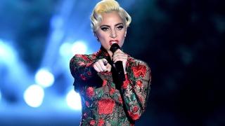 Million Reasons (Live At 2016 Victoria's Secret Fashion Show) - Lady Gaga