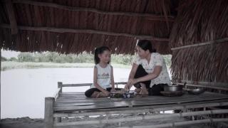 Nụ Cười Của Mẹ (Trailer) - Quỳnh Trang