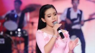 Vùng Lá Me Bay - Quỳnh Trang