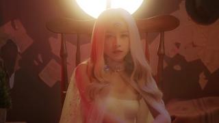 Đóa Hoa Hồng (MV Story) - Chi Pu